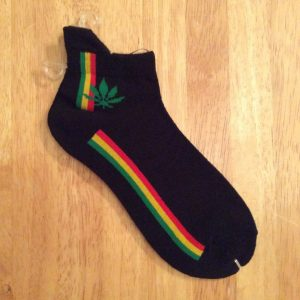 Black ankle/trainer socks with leaf